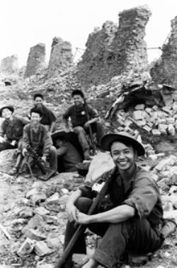 Thành cổ Quảng trị, Điên Biên Phủ trên không, Thạch hãn, Hà Nội 1972