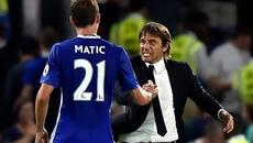 Conte cay Matic bỏ theo Mourinho, Ronaldo cầu Messi gặp...họa