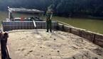 Công an Quảng Nam bắt quả tang 4 thuyền máy đang trộm cát