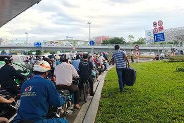 'Không thể giải quyết triệt để kẹt xe ở Tân Sân Nhất'