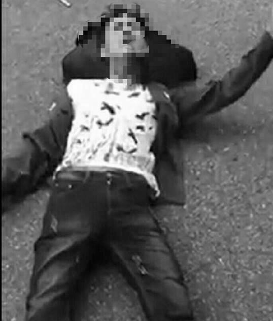 Thanh niên Hải Phòng bị cứa cổ, nằm co giật giữa đường
