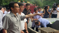 Phó Thủ tướng vào ổ dịch sốt xuất huyết tìm bọ gậy