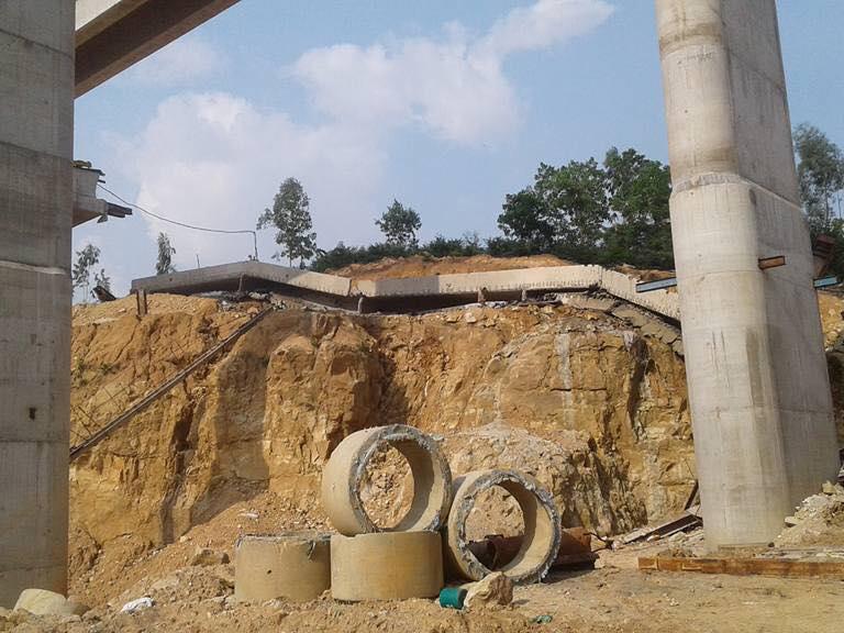Gãy dầm cầu đường cao tốc Hạ Long - Vân Đồn