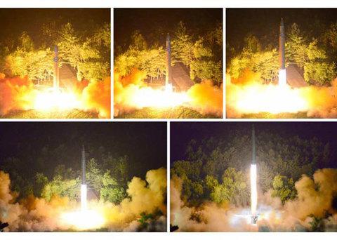 Khoảnh khắc tên lửa liên lục địa Triều Tiên rời khỏi bệ phóng