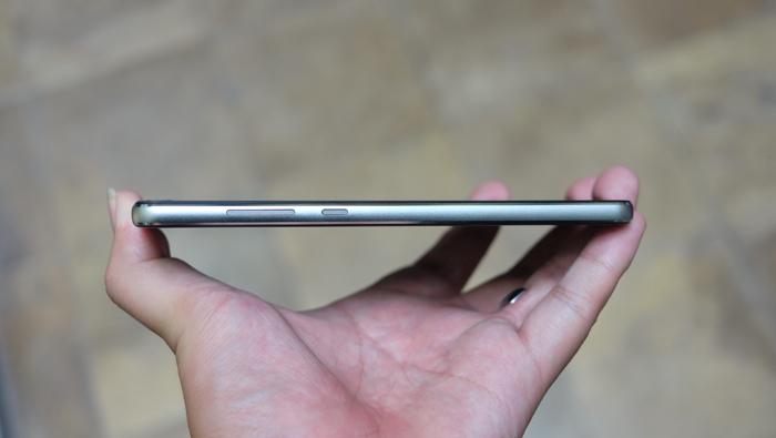 Cận cảnh Vivas Lotus S3, smartphone Made in Vietnam vừa ra mắt