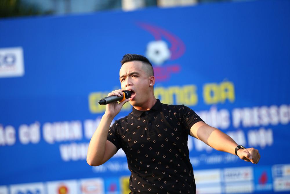 Kiều Thương Thương - Việt Sơn: Yêu thể thao không kém gì âm nhạc