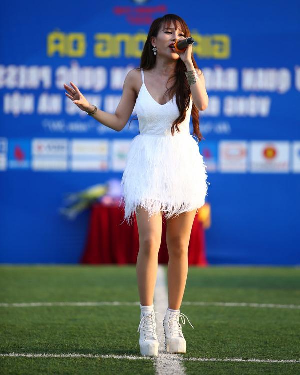 Kiều Thương Thương, nữ ca sĩ