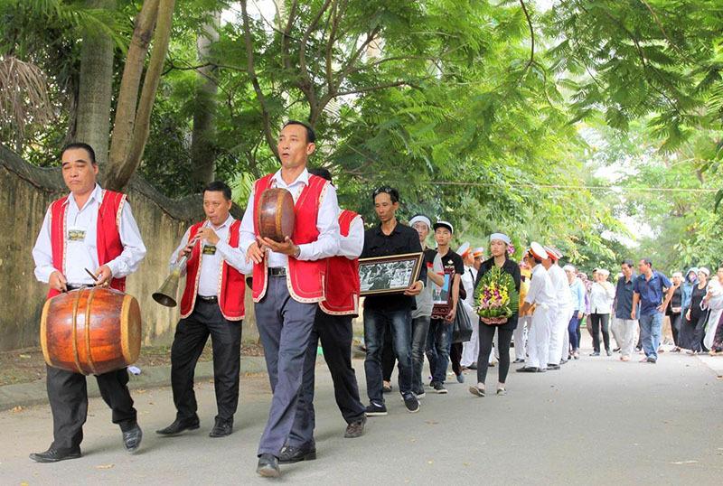 Giai điệu đặc biệt phút tiễn đưa cây vĩ cầm đường phố ở Hải Phòng