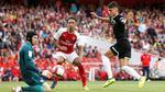 Thua bẽ mặt Sevilla, Arsenal vẫn vô địch Emirates Cup