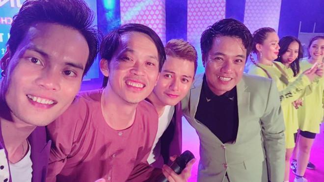 Khán giả Bình Định đến từ 13h đợi Hoài Linh diễn lúc 22h