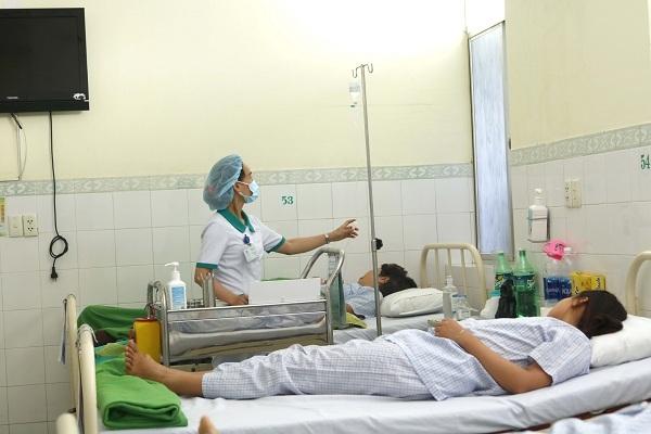 ngộ độc thực phẩm, du khách, Đà Nẵng, cấp cứu