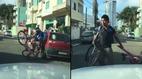 Cú ngã thê thảm của người lái xe đạp say rượu