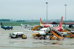 Nhiều chuyến bay không thể hạ cánh ở sân bay Nội Bài