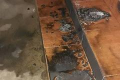 Nhà nguyên Bí thư huyện bị ném 'bom xăng' trong đêm