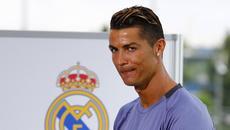 Chelsea kích bom Barkley, Ronaldo dễ đi tù 15 năm