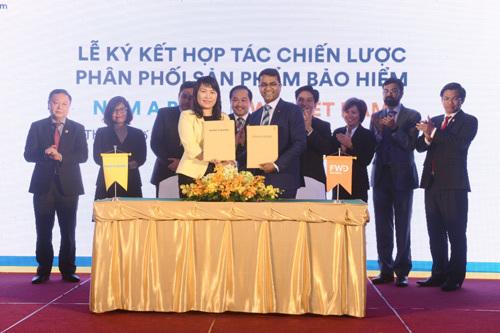 Nam A Bank phân phối bảo hiểm nhân thọ FWD