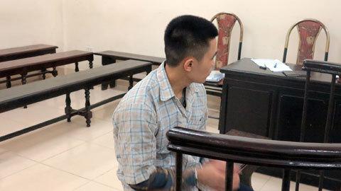 Hà Nội: Bé gái 12 tuổi bị gã trai hại đời, lừa lấy xe máy