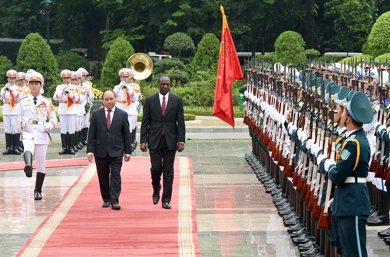 Thủ tướng Nguyễn Xuân Phúc hội đàm với Thủ tướng Mozambique