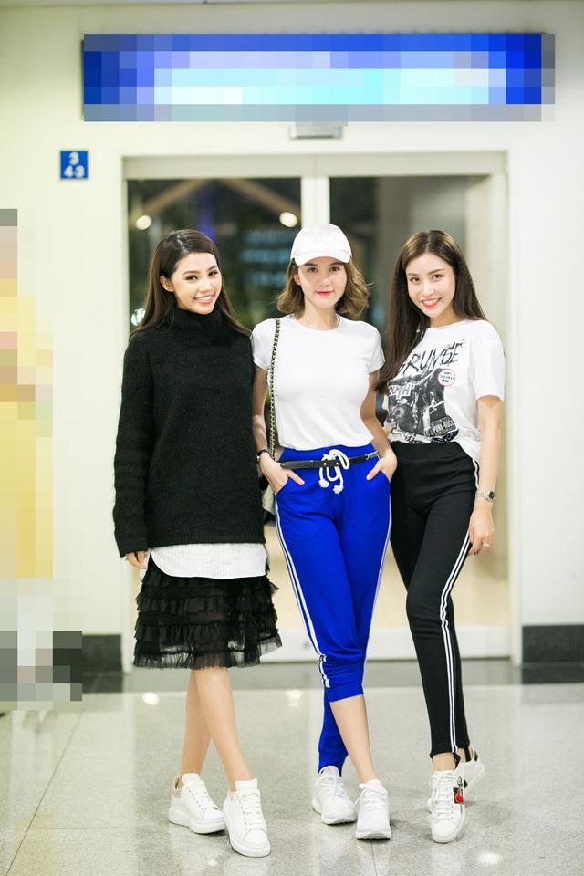 Jolie Nguyễn,Ngọc Trinh