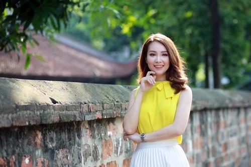 Á hậu Thụy Vân, BTV Quang Minh, VTV, Làng sao
