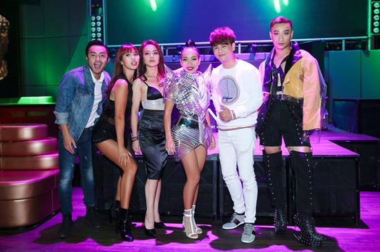 Hà Anh nhảy tung sân khấu vì Thảo Trang