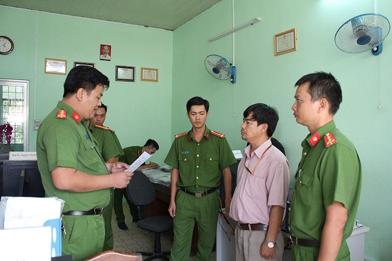 Bắt trưởng phòng Thanh tra pháp chế ở Cần Thơ