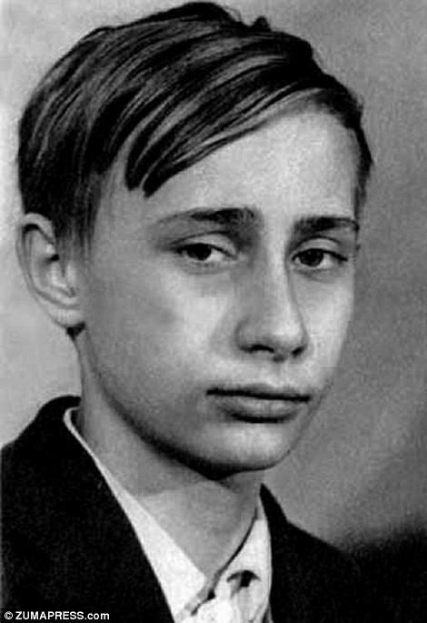 Ảnh hiếm về Putin trước khi trở thành tổng thống
