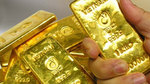 Giá vàng hôm nay 3/8: USD chịu áp lực, vàng tăng vọt
