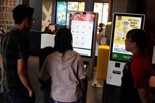 Đã có ki ốt chọn món tự động McDonald's ở Việt Nam