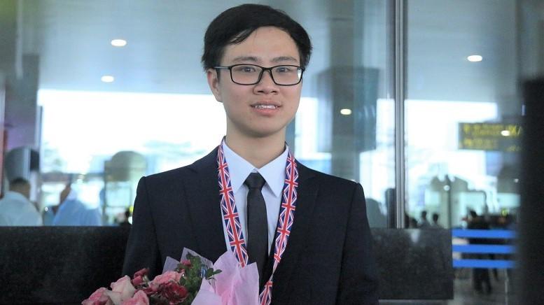Ước mơ được đi học của mẹ và Huy chương Olympic quốc tế của con