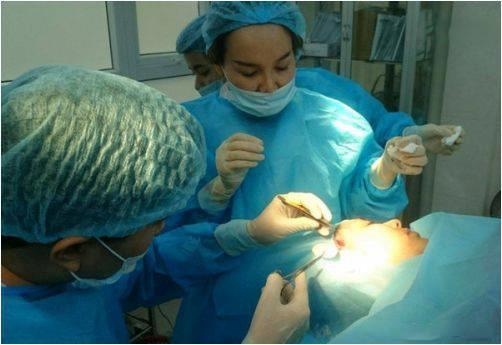 Thanh Bi lên tiếng về loạt ảnh phẫu thuật thẩm mỹ cận cảnh