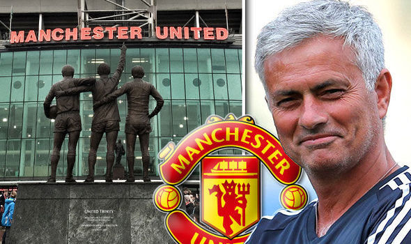 MU vô địch Ngoại hạng Anh, Conte 'cướp hàng' của Mourinho