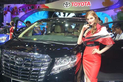 Muôn sắc xe Toyota tại Viet Nam Motor Show 2017