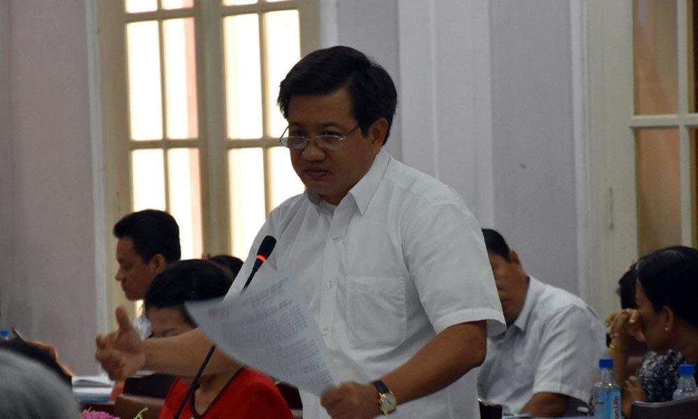 Đoàn Ngọc Hải, phó chủ tịch Đoàn Ngọc Hải, xe biển xanh, quận 1, vỉa hè