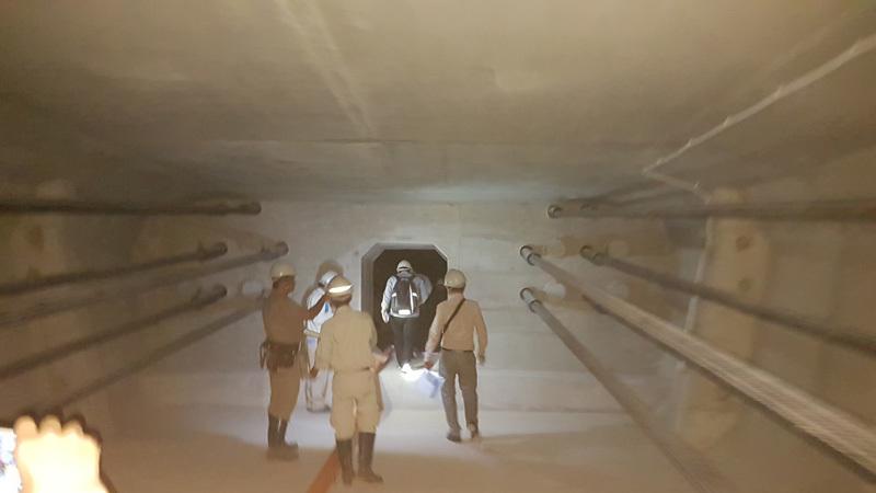 'Chui' vào đường hầm dầm cầu vượt biển dài nhất Việt Nam