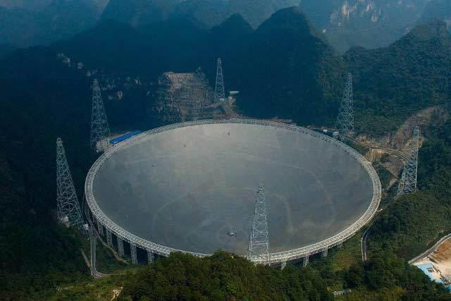 Chật vật tìm người 'quản' kính viễn vọng lớn nhất thế giới