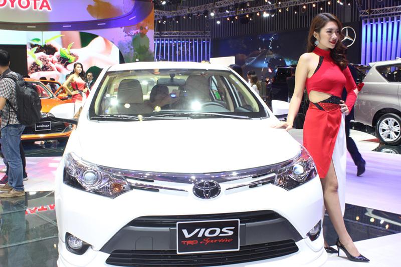 Ô tô Toyota tiếp tục giảm 115 triệu: Điều khó tin đang diễn ra