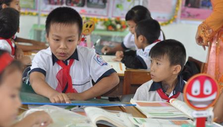"""Bộ trưởng Giáo dục: """"Không mở rộng VNEN nếu chưa đủ điều kiện'"""