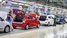 Ô tô giảm giá mạnh, có 500-600 triệu đồng mua được xe gì?