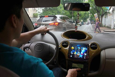 Những thói quen nguy hiểm khi điều khiển xe ô tô