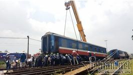 Hà Nội: Hiện trường cẩu tàu hỏa trật bánh ở ga Yên Viên