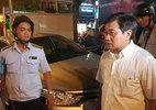 Ông Đoàn Ngọc Hải trảm bãi giữ xe trước cổng UBND quận 1 - ảnh 6