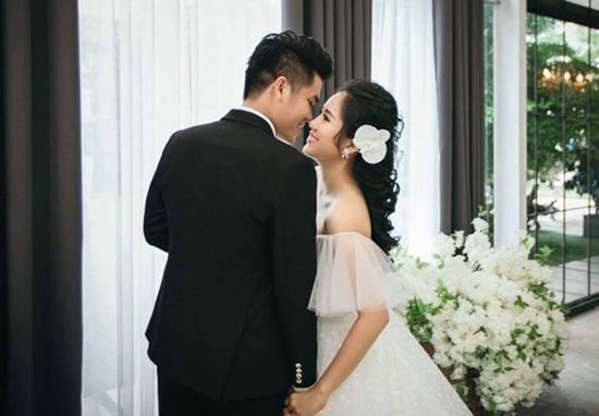 Lê Phương khoe giọng ngọt ngào hát tặng chồng trước ngày cưới