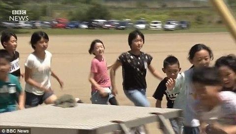 Nhật Bản diễn tập sơ tán trước không kích
