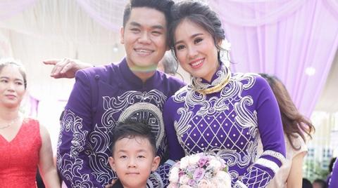 Lê Phương - Trung Kiên song ca trong tiệc cưới