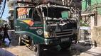 Xe tải bốc cháy ngùn ngụt dưới đường dây điện