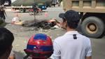 Hà Nội: Va chạm với xe tải, 3 người chết tại chỗ