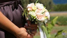 Chàng rể tương lai 'thái độ' vì nhà gái yêu cầu ra ở riêng mới cho cưới chạy bầu