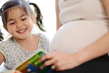 Làm thế nào để trẻ thông minh ngay từ khi trong bụng mẹ?