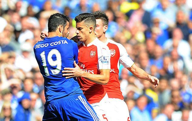 Mourinho nổi đóa với sếp lớn MU, Arsenal đuổi hậu vệ ngổ ngáo